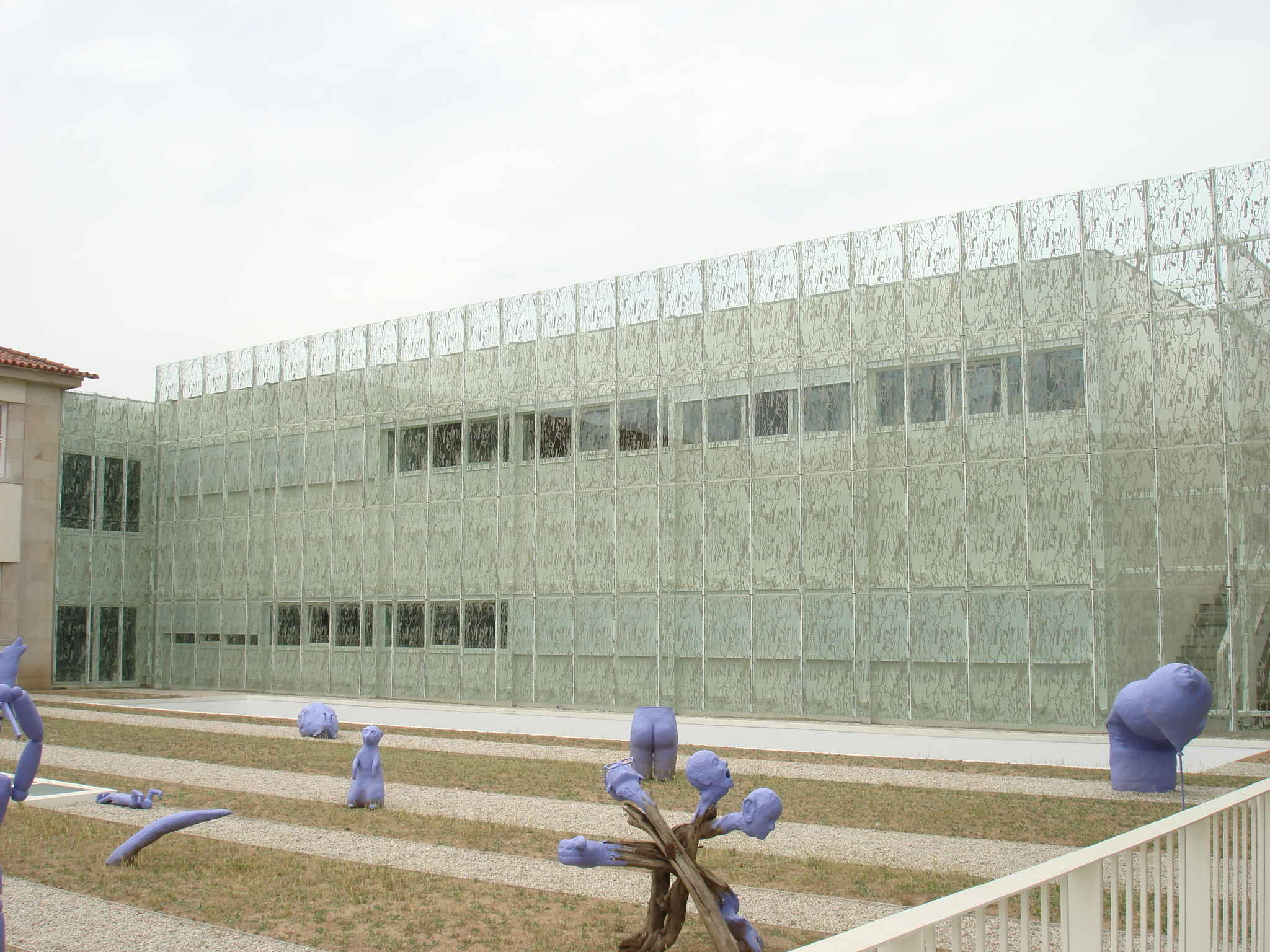 Special Façade and Glass School Alves Martins